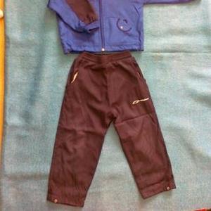 Продам спортивный костюм для ребенка