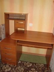 продам стол компьютерный стол